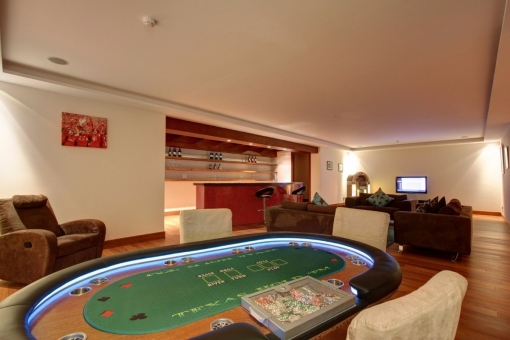 The bar and games room