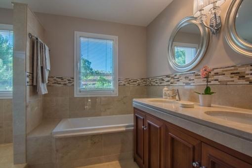 Every bathroom has a window