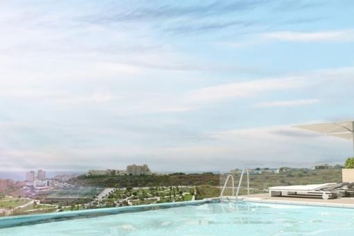 Toller Pool mit Panoramablick