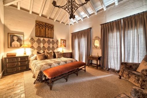 Alternativer Anblick vom Hauptschlafzimmer en Suite mit Abendbeleuchtung