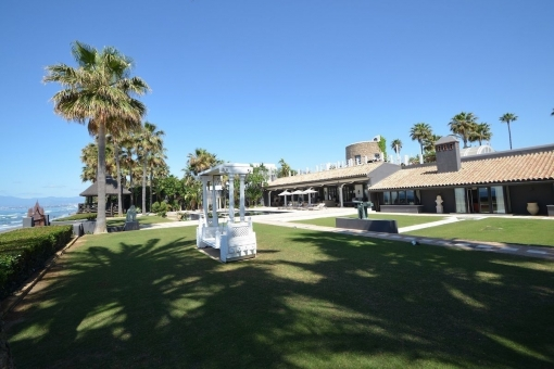 Spectacular villa at the beach in Los Monteros, Marbella