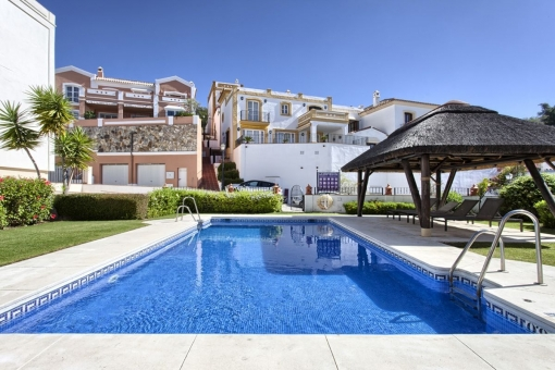 A well presented sea view family house in Benahavis