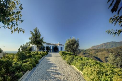 Zugang zur luxuriösen Villa