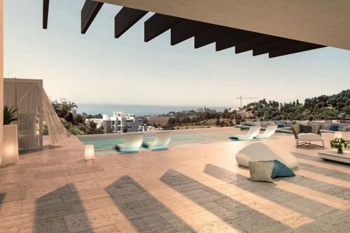 Außenbereich mit Pool und Meerblick