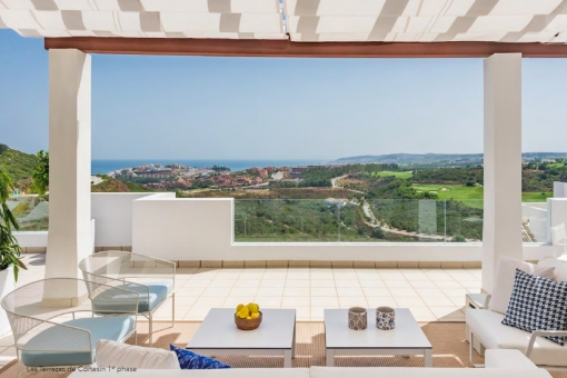 Modern design apartment with 2 bedrooms at the golf course in Casares playa