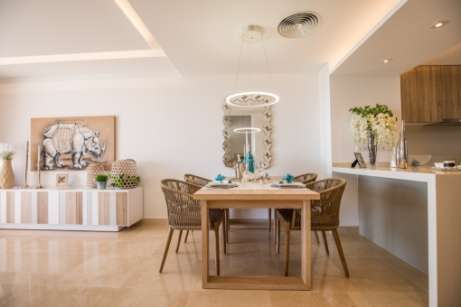 The dining area offers space for up to 4 people