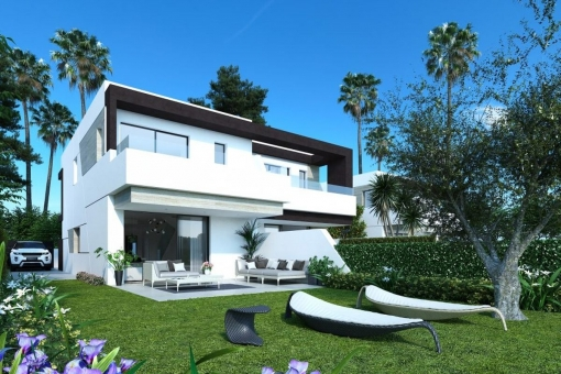 Modern design semi-detached villa with 4 bedrooms in the New Golden Mile, Estepona