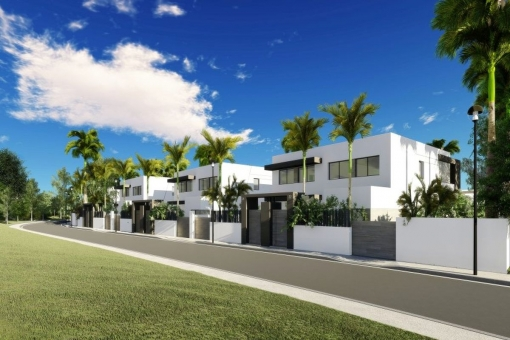 Perfect semi-detached 4 bedrooms villa, highest quality specifications at the New Golden Mile, Estepona