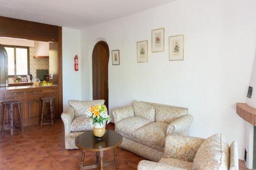 Villa 2 (2) - Bright living area