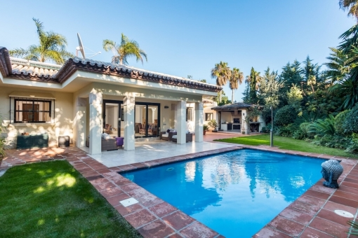 Newly renovated to a very high standard - 4 bedroom villa in  Estepona - Paraiso Beachside