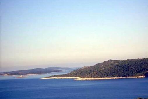 Grundstück in Insel Hvar