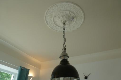 Blick auf die Deckenlampe