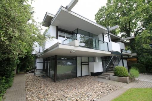"""Villa im Stil der  """"D-Stijl-Bewegung"""""""