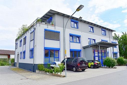 Heppenheim-Buero-Aussenansicht-Laterne