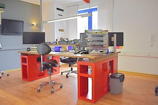 Heppenheim-Buero-Technikerzimmer-Arbeitstisch