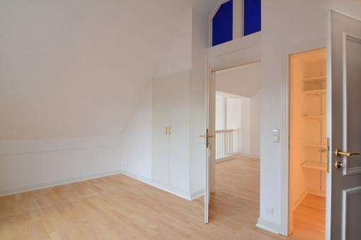 Wohnung-Wellingsbuettel-Schlafzimmer-Galerie