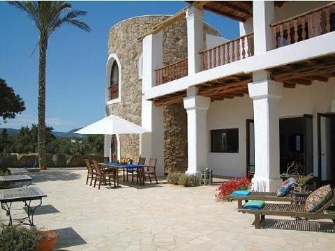 Villa in Cala Jondal
