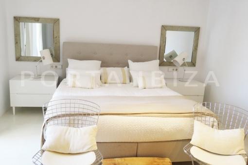 bedroom2-luxury property-fantastic sea views-sunset views-cala tarida