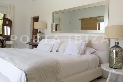 masterbedroom-luxury property-fantastic sea views-sunset views-cala tarida