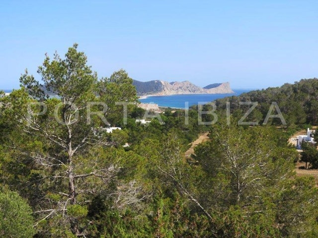 plot in Sa Caleta