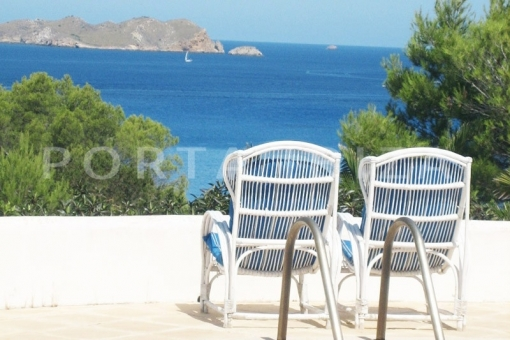 Cala Tarida villa with great potential in with amazing sea view