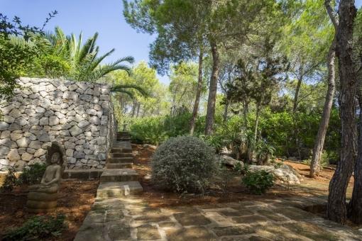 Idyllic garden area