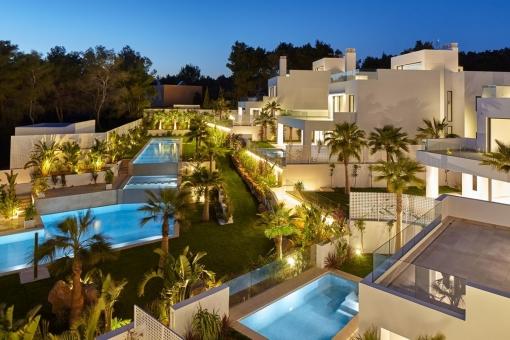 Villa por la noche