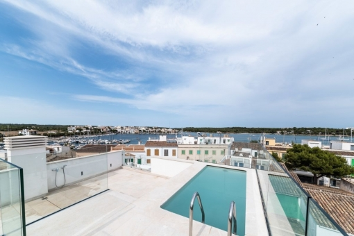 Breathtaking, newly-renovated town house with pool in Portocolom