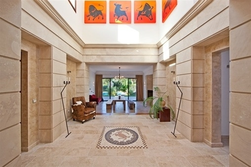 Bright entrance area