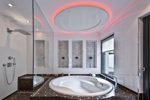 Inviting master bathroom