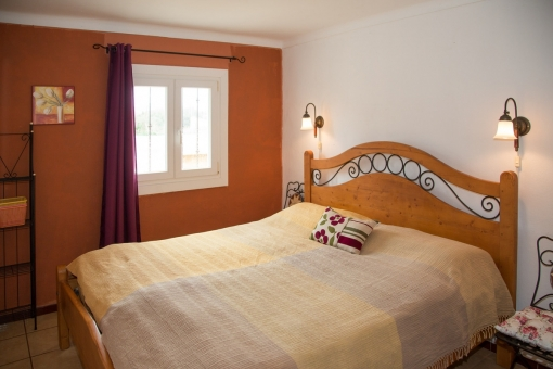 Spacious bedroom with doublebed