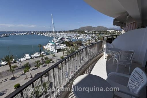 Spacious frontline apartment in the Port of Alcudia