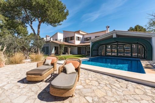 Große Luxus-Villa im Finca Stil in Santa Ponsa