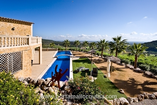 Natural stone finca with outstanding panoramic views and large guest house