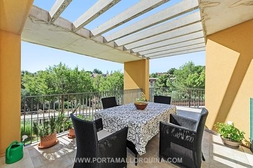 Sonniges Penthouse-Wohnung mit großer Dachterrasse in Cala Vinyas