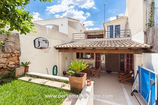 Lovingly renovated village house in Llucmajor