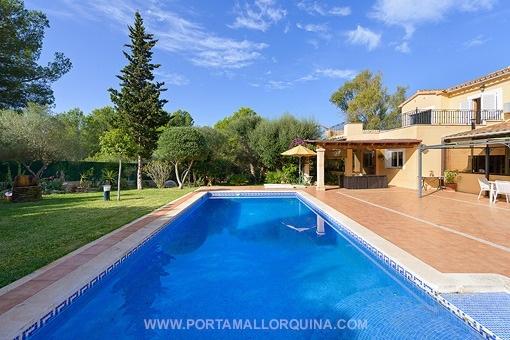 Fantastic pool and sun terraces