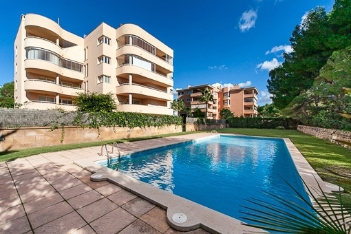 Fantastic ground floor apartment with enchanting garden in Maioris