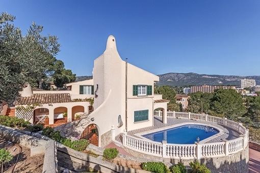 Große Meerblick-Villa in nächster Nähe zu Strand und internationalen Schulen in Palmanova