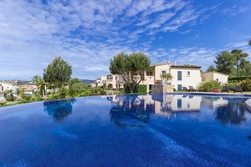 Luxus-Wohnung mit Blick auf dem Golfplatz in ruhiger Lage in Santa Ponsa