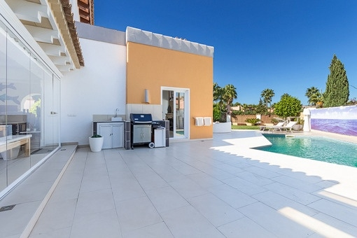 Spacious terrace with pool area