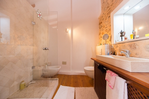 Modern bathroom with natural stone elements