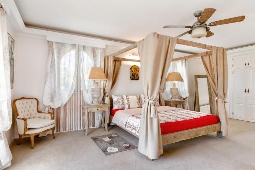 Alternative Ansicht des Hauptschlafzimmers