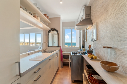 Tolle Küche mit Meerblick
