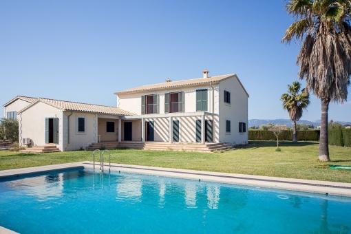Idyllic finca with pool