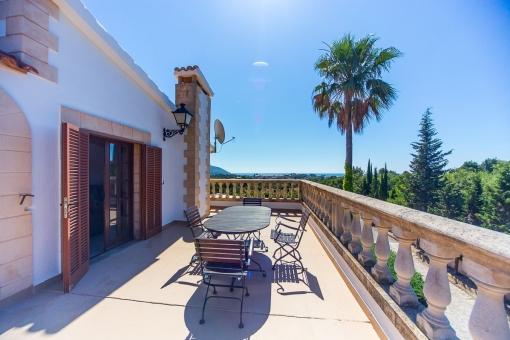 Balkon mit idyllischem Landschaftsblick