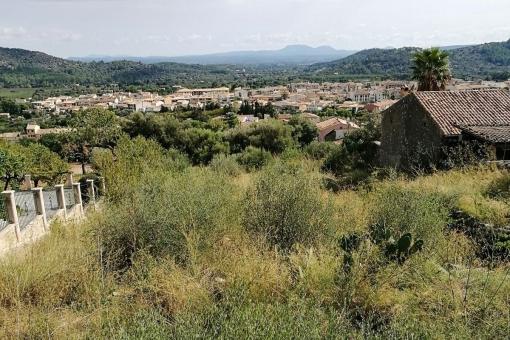 Grundstück in Alaro