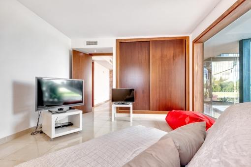 Gästezimmer mit Einbauschrank
