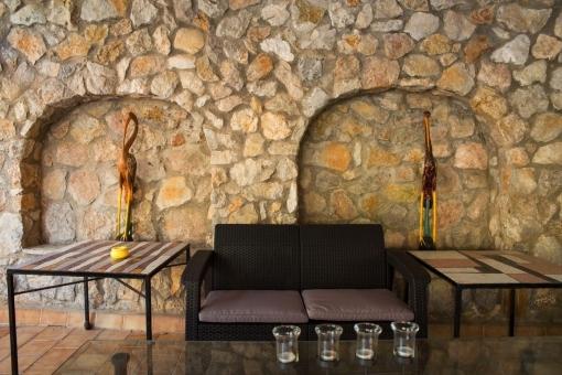 Das Anwesen bietet diverse Loungebereiche