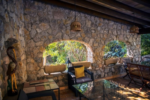 2 zusätzliche Häuser bieten Platz für Gäste